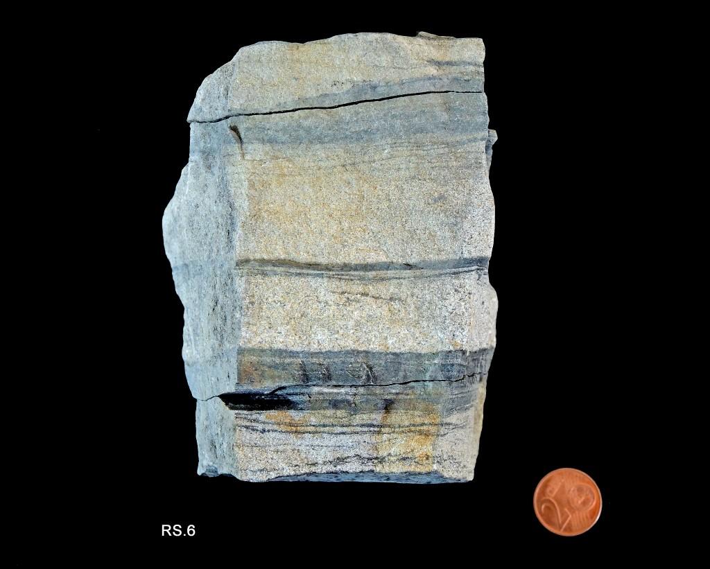 Alternance de niveaux gréseux (clairs) et de niveaux schisteux - granoclassement (Carbonifère)
