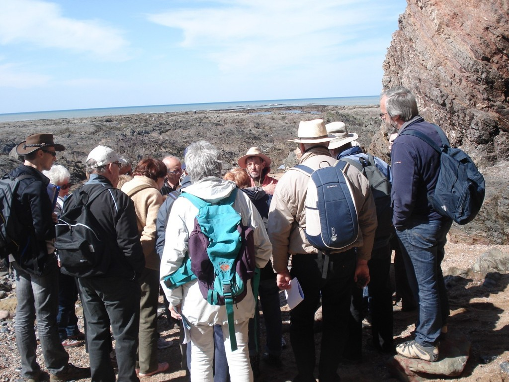 AVG. 2015.04.19. Exploration de l'estran de Brétignolles-sur-Mer avec Didier Poncet