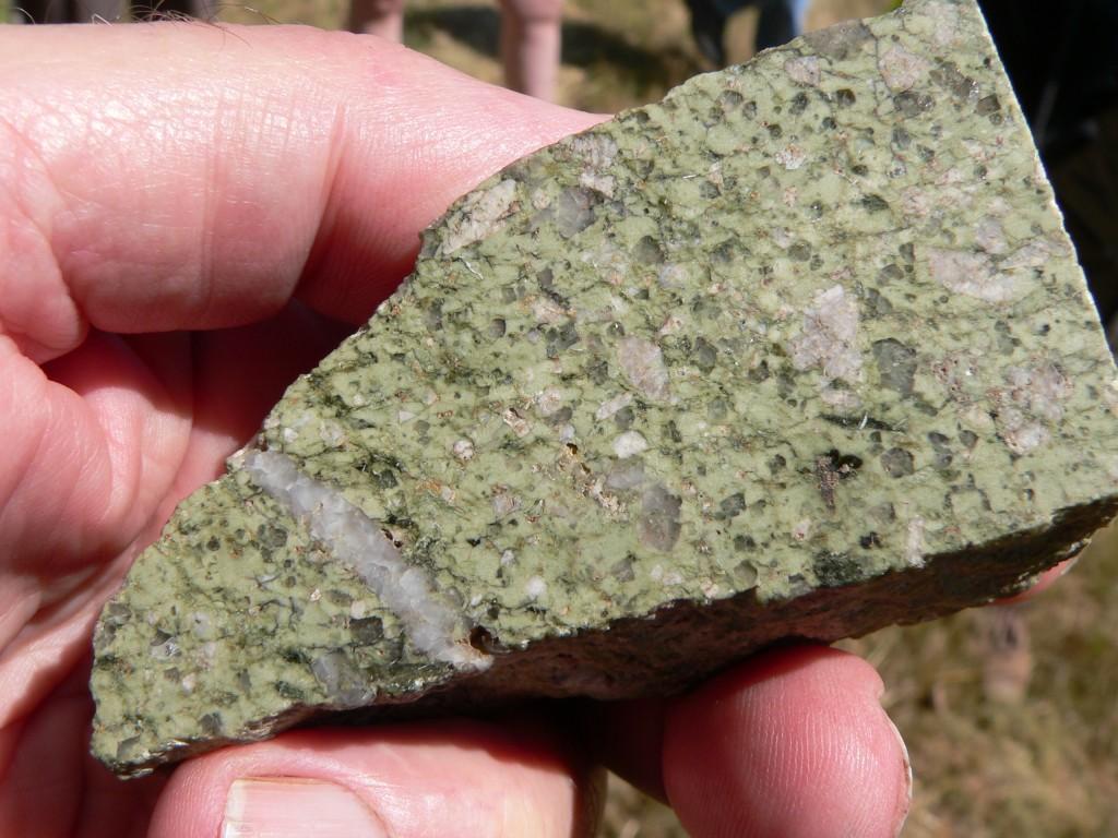 Section polie de la rhyolite du Pic Saint-Offange (49) - échantillon de F. Redois