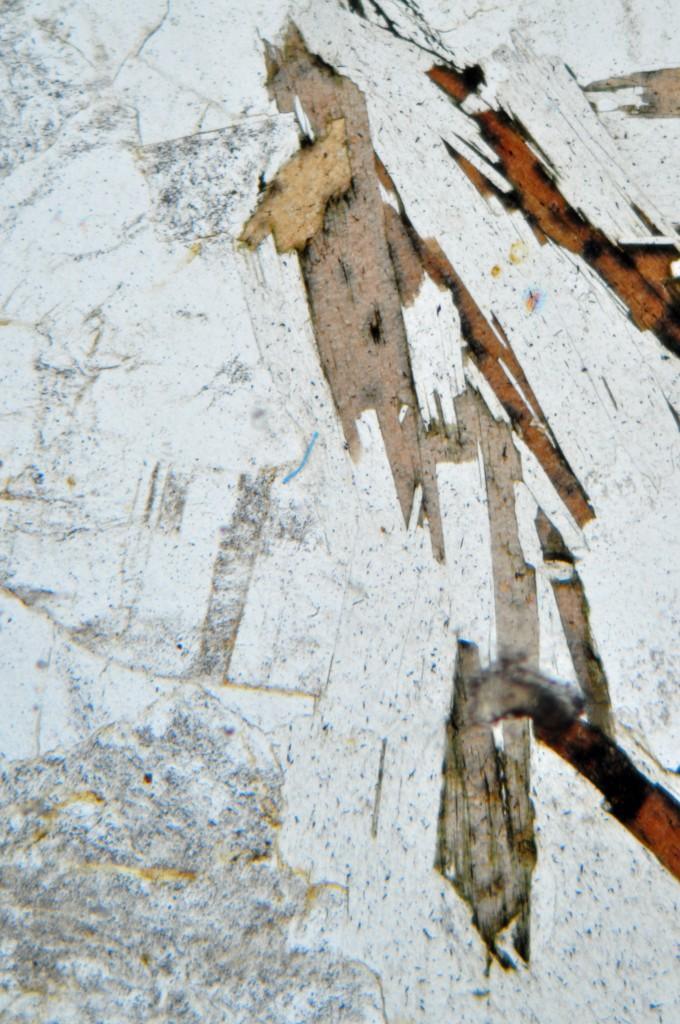Granite 1 à deux micas en LPNA