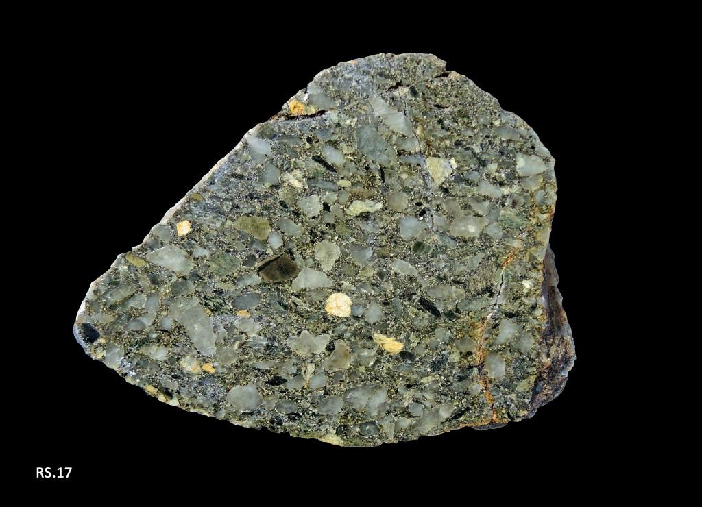 Poudingue, brèche à petits galets de quartz et à matrice schisteuse (85 - Chantonnay)