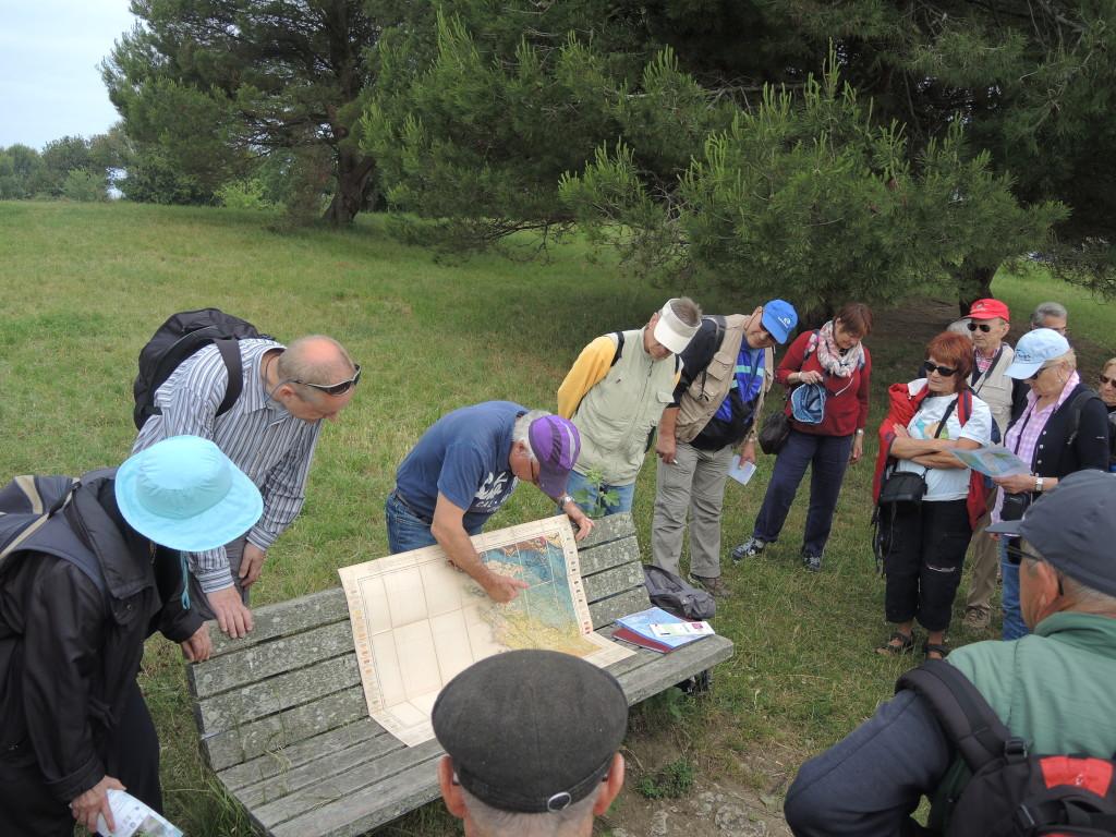 AVG. 2016.06.05. Île d'Aix - Présentation de la carte géologique des Charentes par Christian Moreau